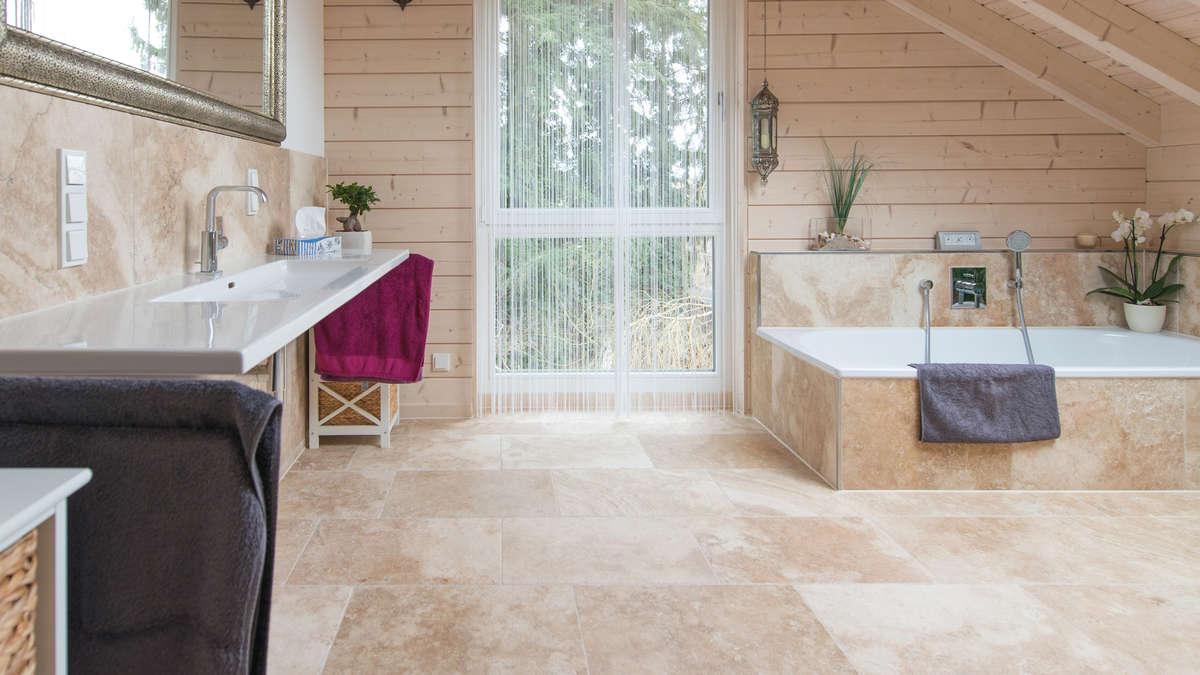 Badgestaltung mit Naturstein Wellness-Oase im eigenen Zuhause   Haus ...