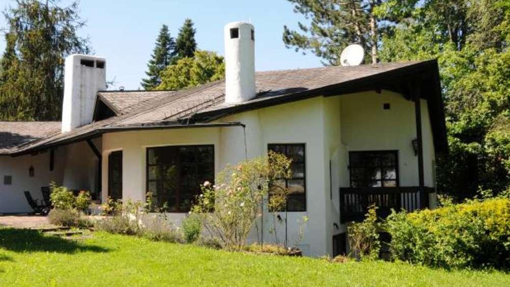 f r mehr als zwei millionen euro r hmann villa steht zum verkauf starnberg. Black Bedroom Furniture Sets. Home Design Ideas