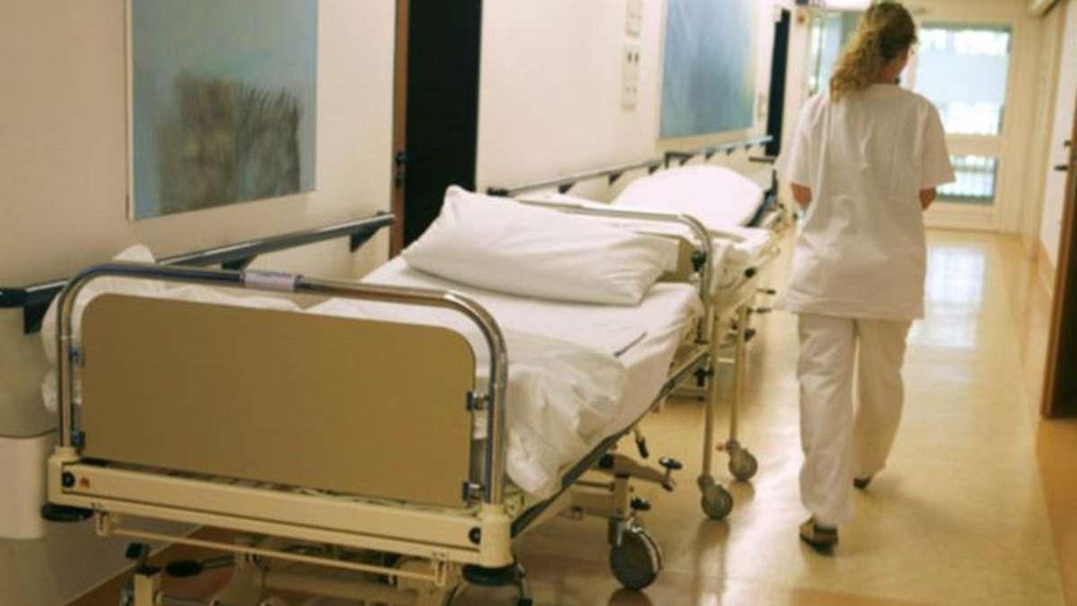 augsburg bild zu sexy f r krankenhausbesucher k nstler sauer ber entfernung bayern. Black Bedroom Furniture Sets. Home Design Ideas