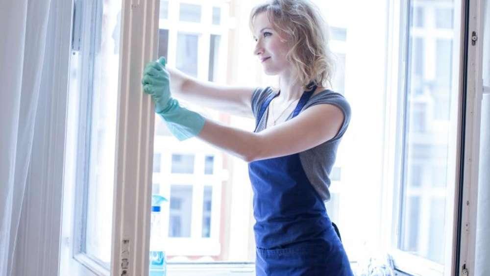 Hausarbeit Richtig Nutzen Fensterputzen Ist Ein Kalorienkiller Wohnen