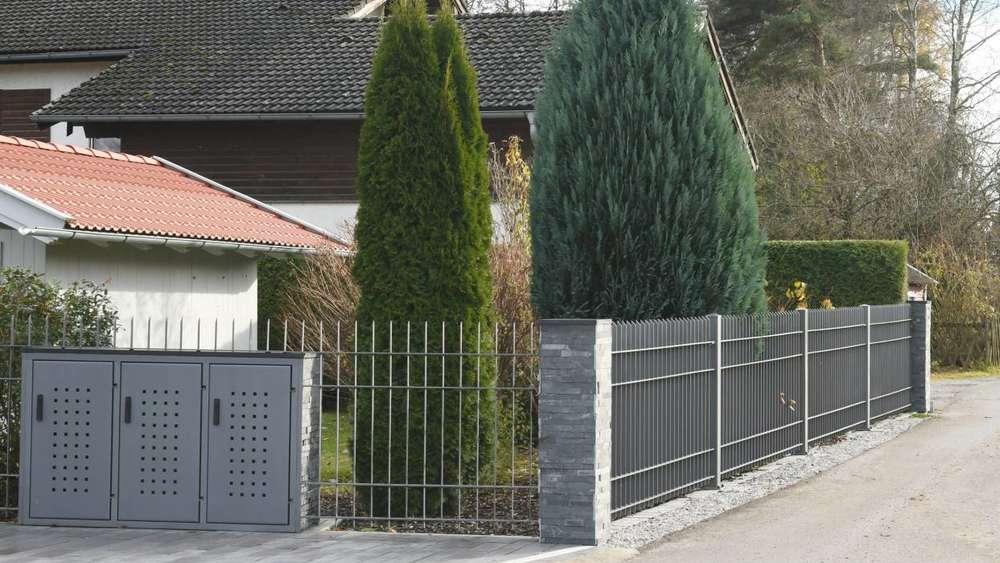 Erlkam Holzkirchner Bauausschuss Beschliesst Abriss Von Metallzaun