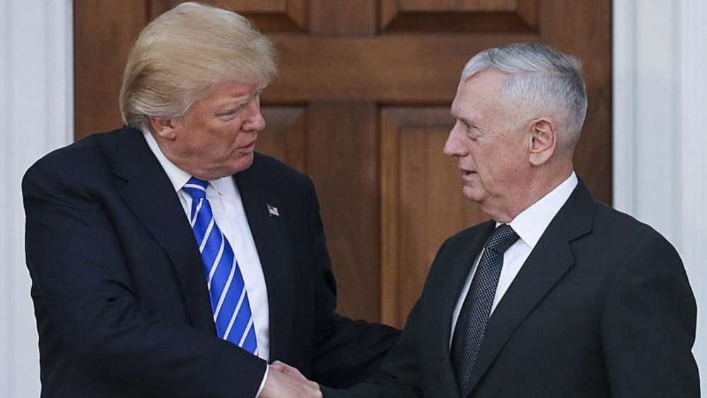 Donald Trump zusammen mit Ex-General James Mattis. Foto: Aude Guerrucci