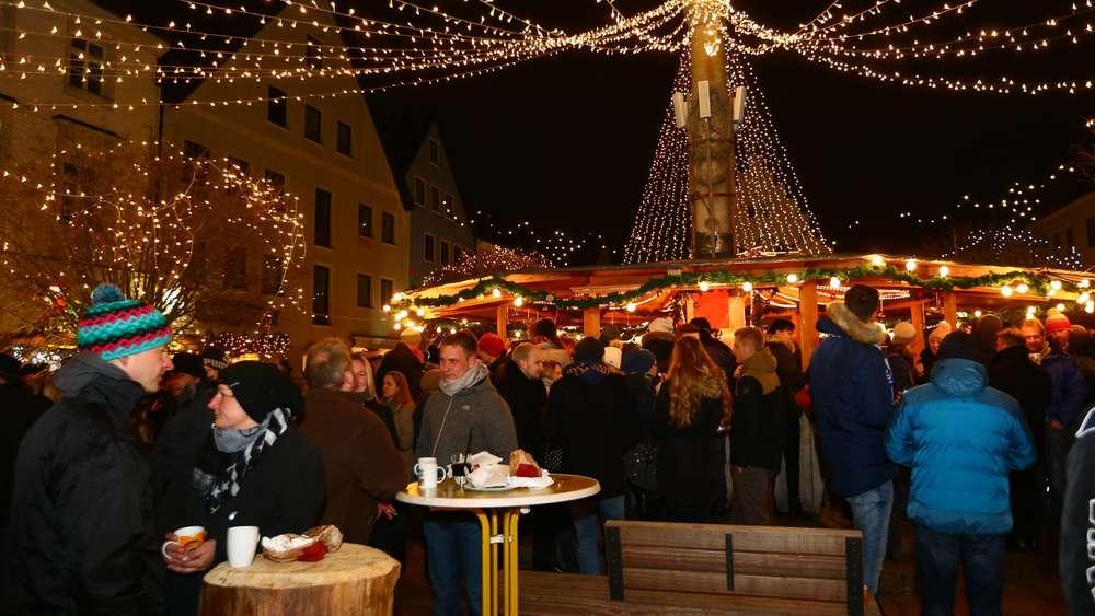 Schongau Weihnachtsmarkt.Schongauer Weihnachtsmarkt Schon Am Ersten Wochenende Gut Besucht