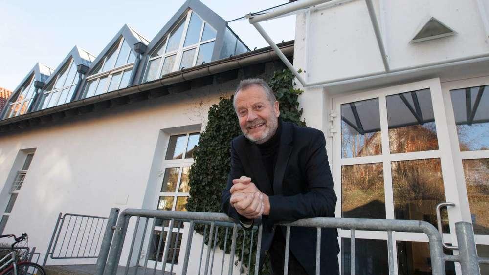 Frank Meyer Brühl Hat Aus Den Seefelder Möbelwerkstätten Ein