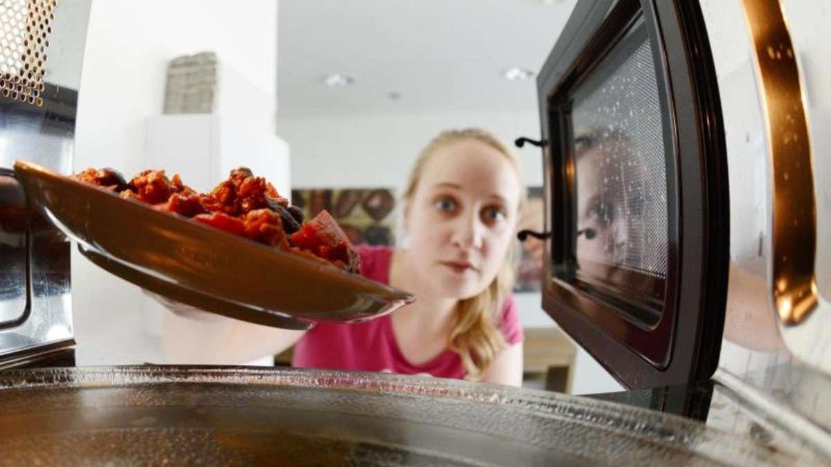 wie ungesund ist essen aus der mikrowelle wirklich genuss. Black Bedroom Furniture Sets. Home Design Ideas