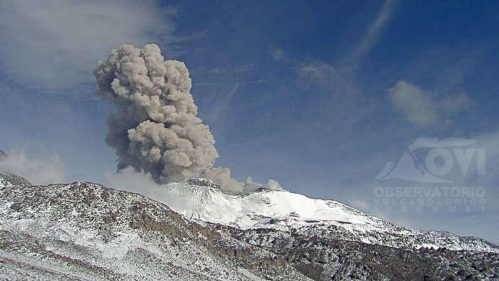 Vulkan Sabancaya in Peru