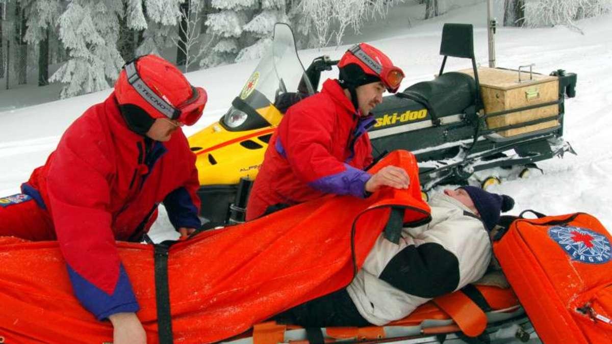 428109222-rettung-von-piste-ein-verletzt