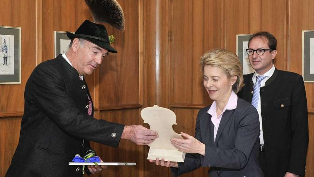 Verteidigungsministerin Von Der Leyen Beim Neujahrsempfang In
