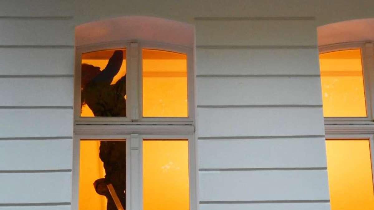 gef hrliches heim t dliche unf lle im haushalt nehmen zu wohnen. Black Bedroom Furniture Sets. Home Design Ideas