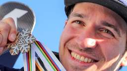 Emotionaler Neureuther holt Slalom-Bronze bei WM
