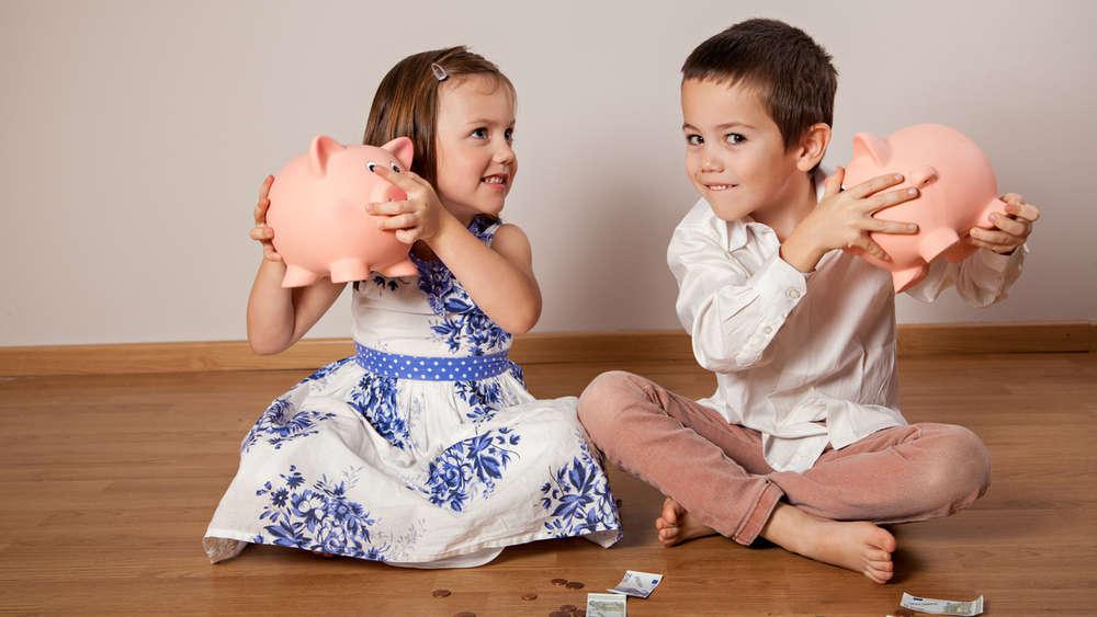 298aaf6a799f63 Geld sparen mit Familie ist nicht immer einfach. Doch wer ein paar Tricks  kennt