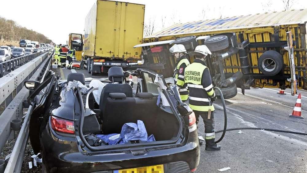Schwerer Unfall mit Lastenzug auf der A99: Autobahn ...