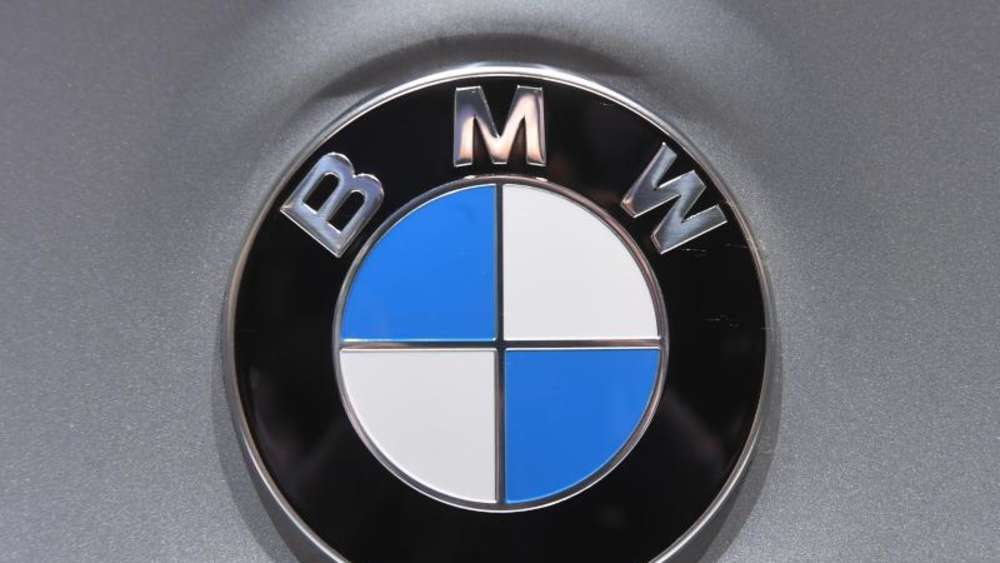 BMW-Logo Foto: Uli Deck/Illustration