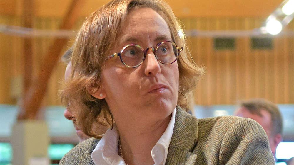 beatrix storch will kritisches buch 252 ber afd stoppen