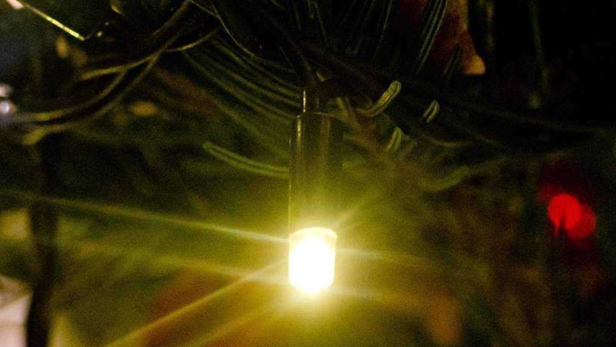 led mit 200 lumen ist so hell wie 25 watt gl hlampe wohnen. Black Bedroom Furniture Sets. Home Design Ideas