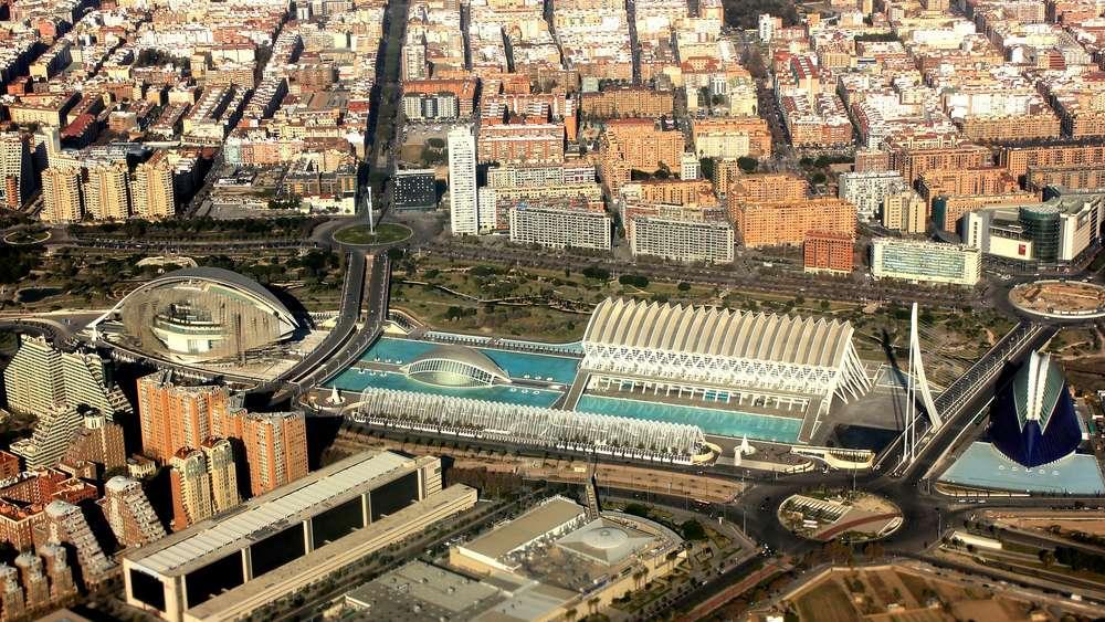 Valencia wagen sie sich in die leuchtende stadt reise for Architektur valencia