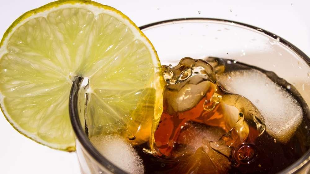 Krass Darum Kann Diat Limo Ihrem Gehirn Schaden Gesundheit