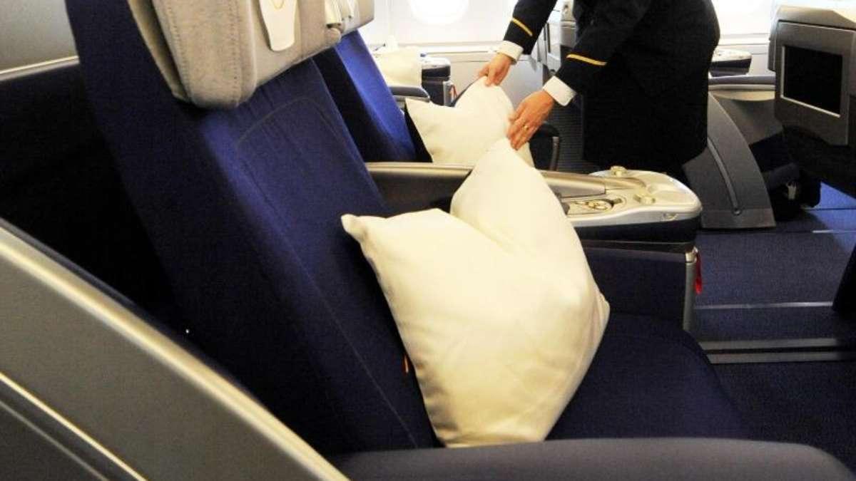 werden kissen und decken im flugzeug oft genug gewaschen reise. Black Bedroom Furniture Sets. Home Design Ideas