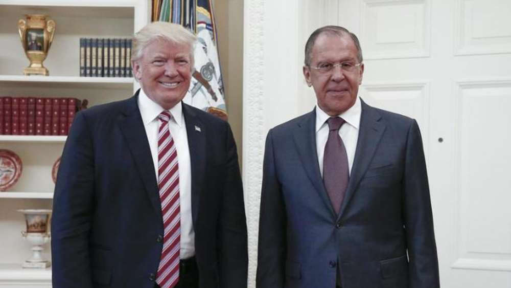 US-Präsident Donald Trump und Russlands Außenminister Sergej Lawrow bei ihrem Treffen am 10.05.2017 im Weißen Haus in Washington. Foto: Uncredited/Russian Ministry of Foreign Affairs