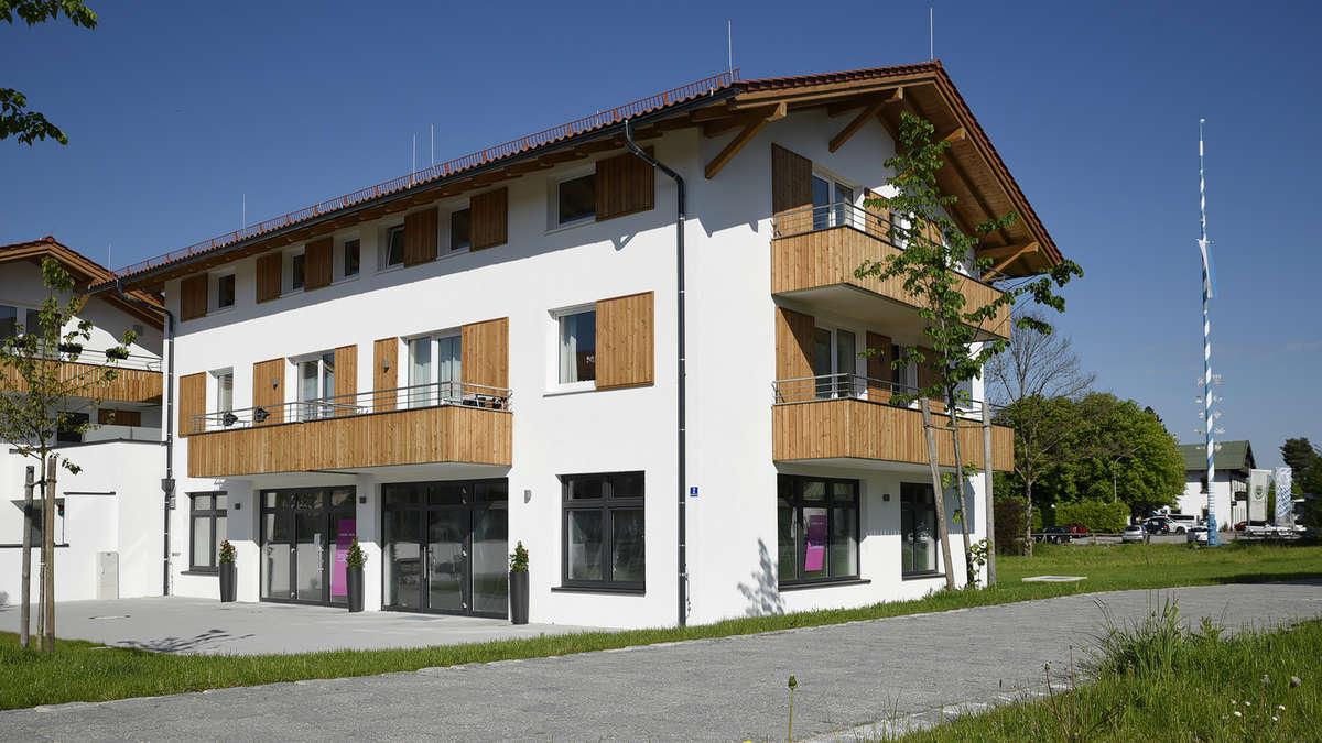 ihr k chenparadies neuer ffnung nach umzug in weyarn miesbach. Black Bedroom Furniture Sets. Home Design Ideas