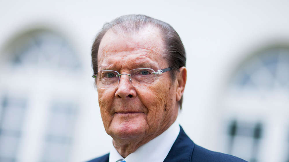 roger moore ist tot james bond darsteller an krebs gestorben boulevard. Black Bedroom Furniture Sets. Home Design Ideas