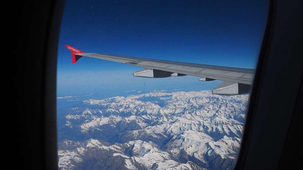 Warum Sind Flugzeugfenster Eigentlich Immer Oval Nie Eckig Reise