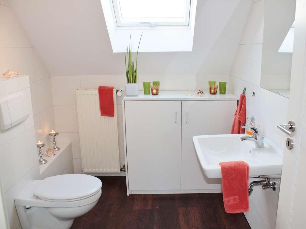 Das sollten Sie jedes Mal tun, bevor Sie das Bad putzen  Wohnen