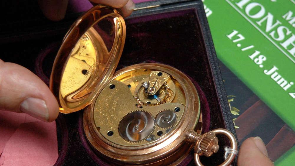 Antiquitäten Schätzen Lassen Anleitung Von Expertin Darauf Müssen