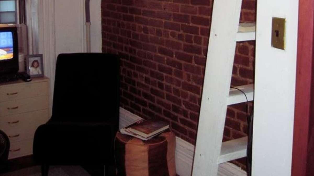 Frau lebte auf nur acht Quadratmetern - für knapp 600 Euro | Wohnen