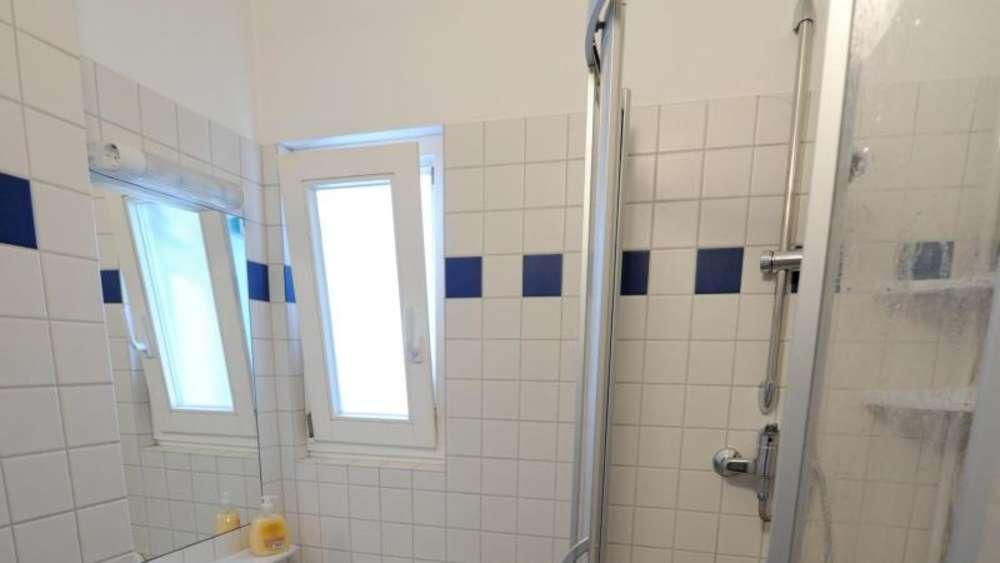 Hervorragend Tür zu und Fenster auf: Nach dem Duschen richtig lüften | Wohnen HC39