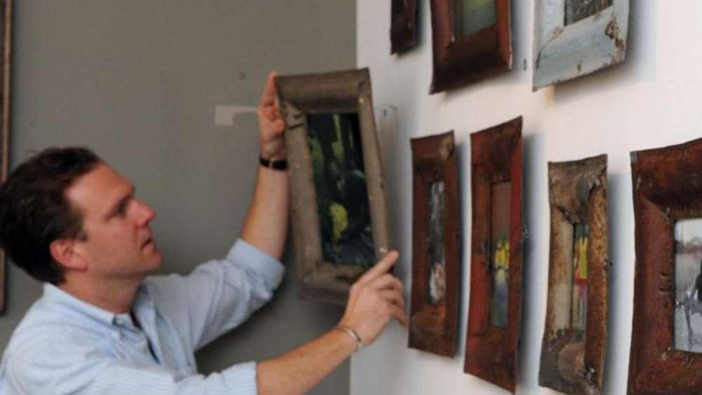 Trick Zum Bilder Aufhängen ösen Mit Klebeband Markieren Wohnen