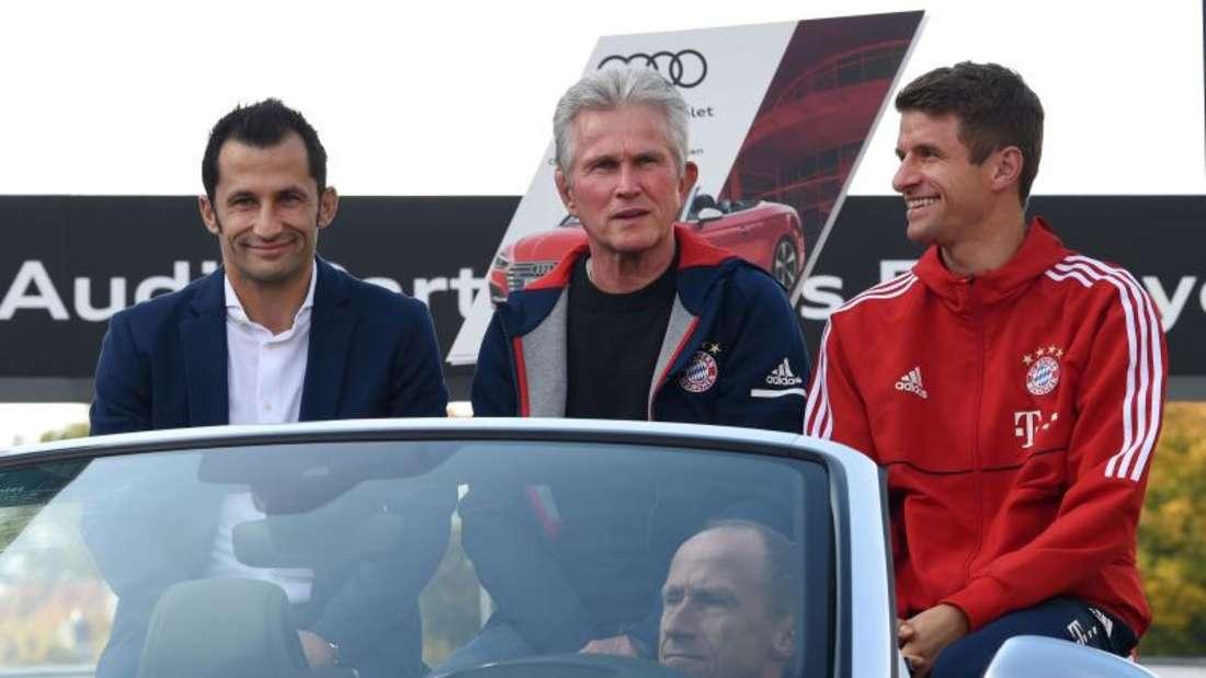 Hier freuen sie sich schon auf die neuen Audis.