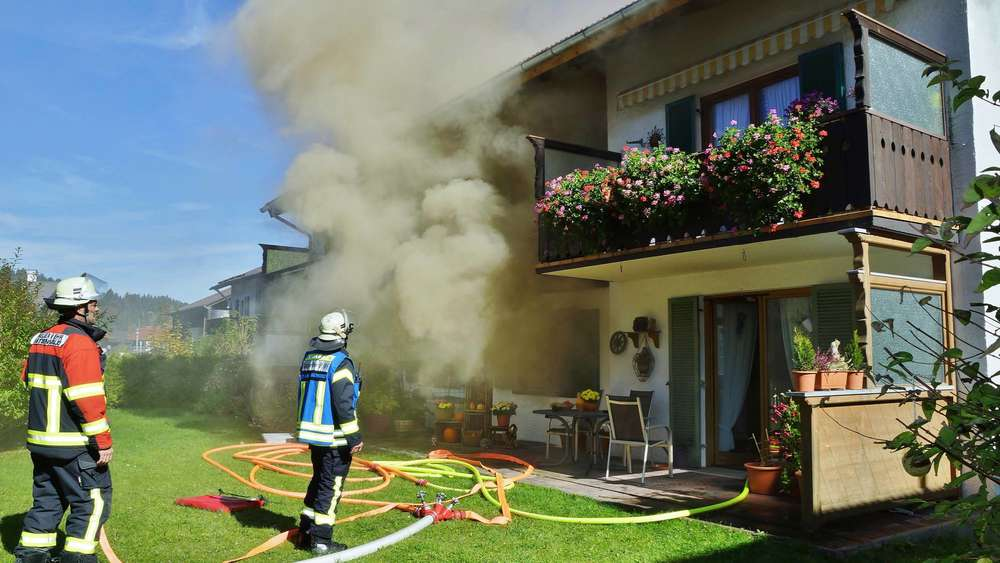 Wohnungsbrand In Mittenwald Schlafzimmer Komplett Zerstört Mittenwald
