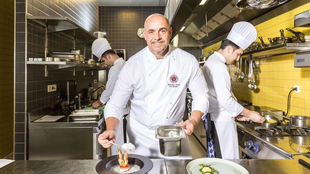 Outdoor Küche Aus Türkei : Sockelblende küche selber machen türkische küche döner köfte and