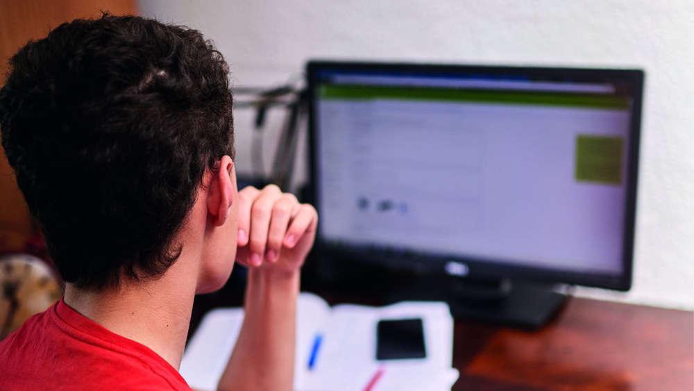 Start Ins Berufsleben Sechs Tipps Für Die Online Bewerbung