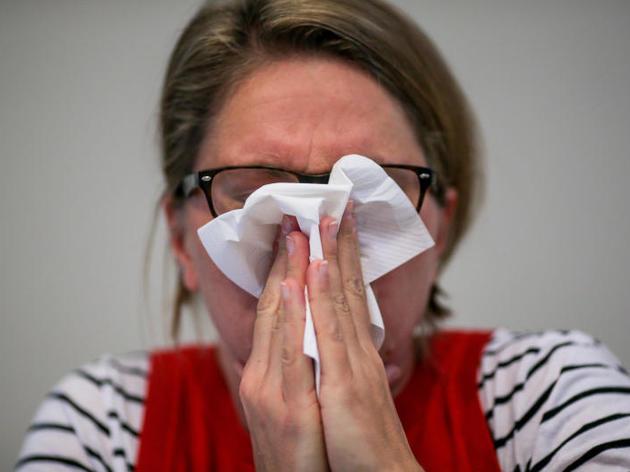 Mit Grippe ins Büro? Wieso kranke Mitarbeiter zuhause bleiben sollten