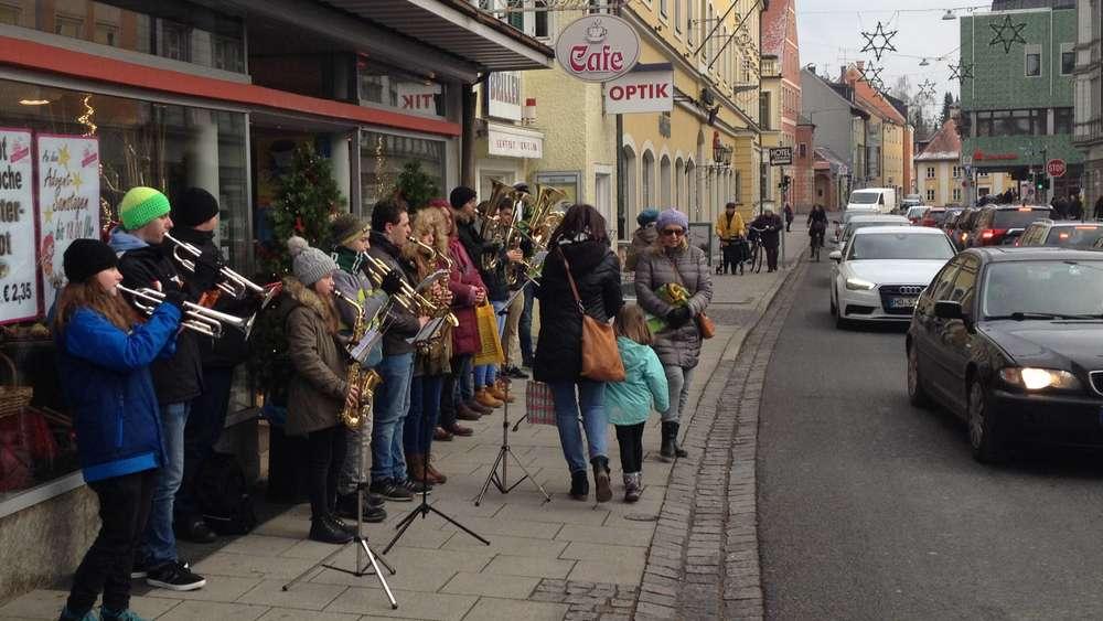 Weihnachtsklänge übertönen den Autolärm | Fürstenfeldbruck