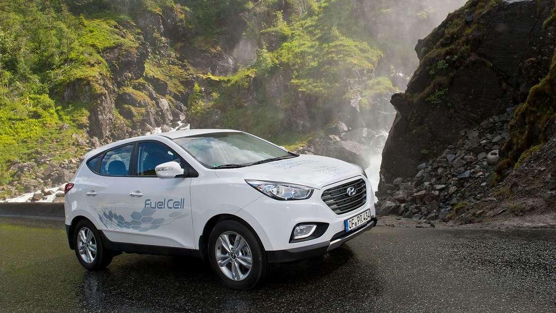 Der Hyundai ix35 Fuel Cell ist eines der ersten unter Serienbedingungen hergestellten Brennstoffzellenautos.