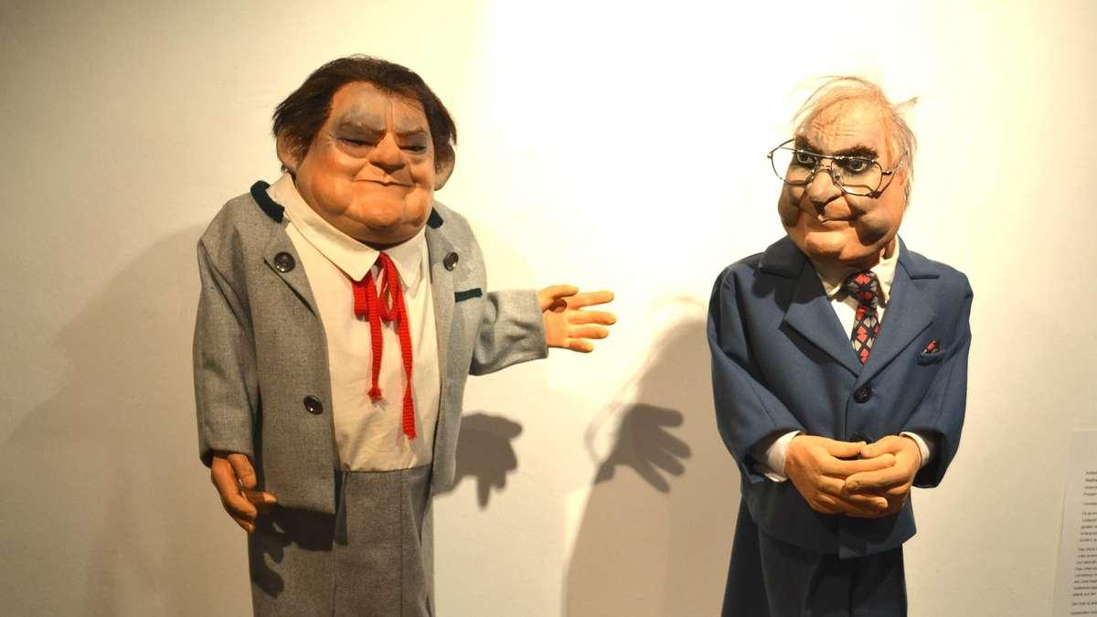 Ausstellung ber die weilheimer puppenb hne mit for Dieter hanitzsch