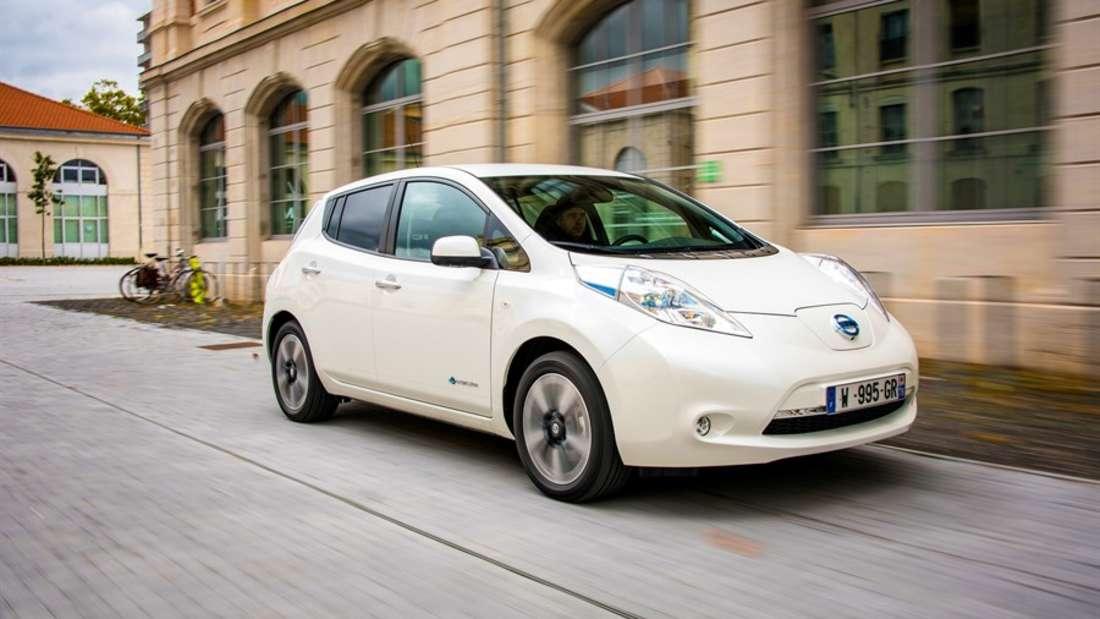 Der Nissan Leaf mit 109 PS und einer Ladezeit vonzehn Stunden. Neu kostet der Japaneretwas mehr als23.000 Euro. Als Gebrauchtwagen ist er fürcirca 21.500 zu haben.
