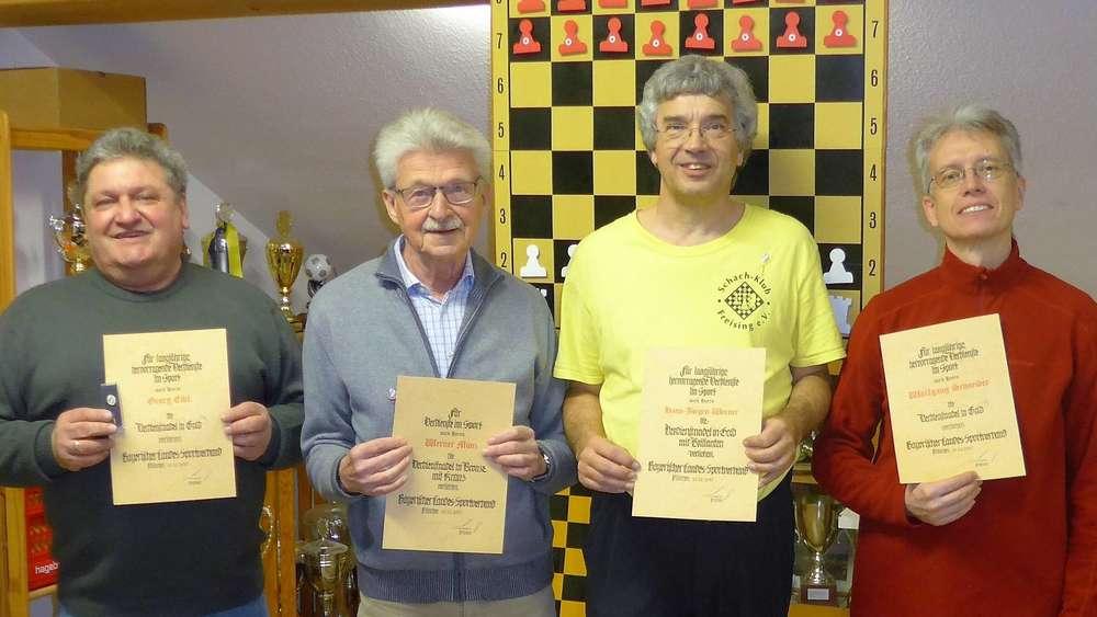 Freising Hohe Auszeichnung Für Die Schach Klub Führungsriege