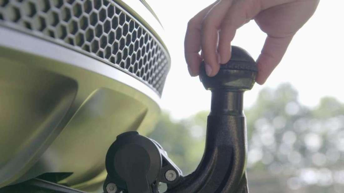 Haken mit Köpfchen: Die Firma Westfalia erfand 1932 die heute bekannte Anhängerkupplung mit Kugelkopf. Foto: Westfalia-Automotive/dpa-tmn