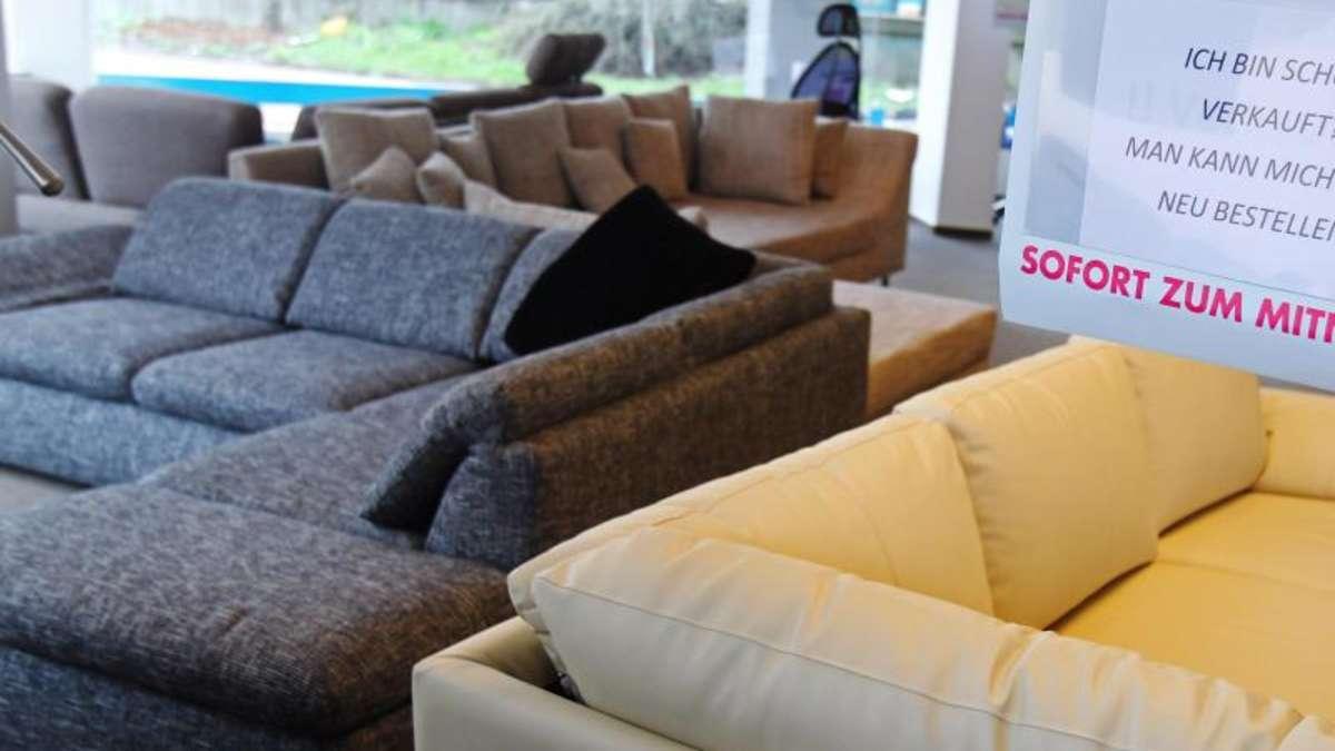 Polstermöbel mit Fensterleder feucht reinigen | Wohnen