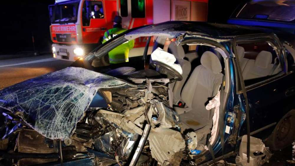 85-Jähriger Geisterfahrer verursacht Unfall mit zwei Toten | Welt