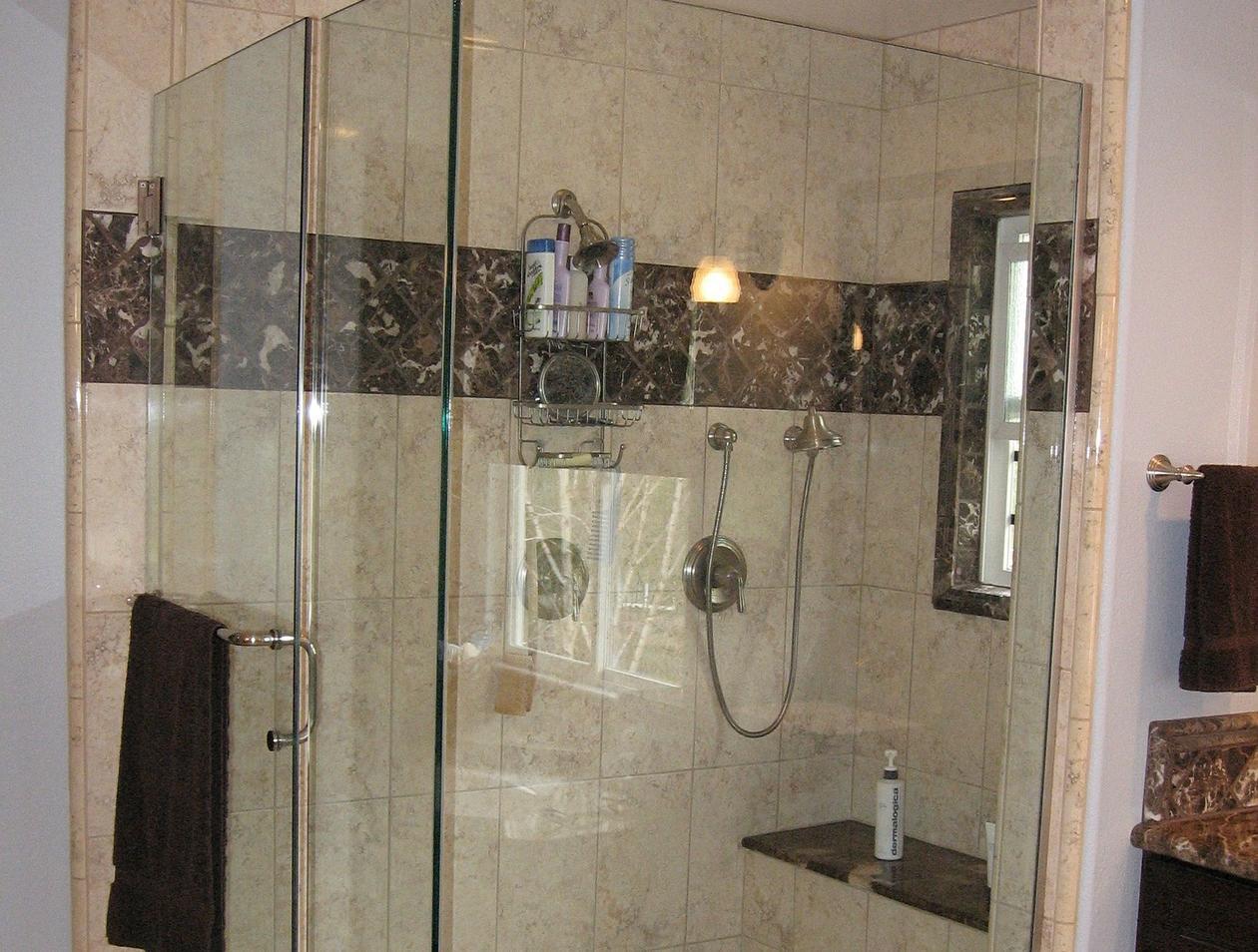 Hervorragend Duschkabine reinigen: Diese Hausmittel helfen auf jeden Fall JA93