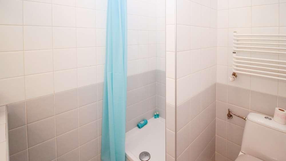 Duschvorhang Waschen Das Ist Bei Verfärbungen Und Rändern Zu Tun