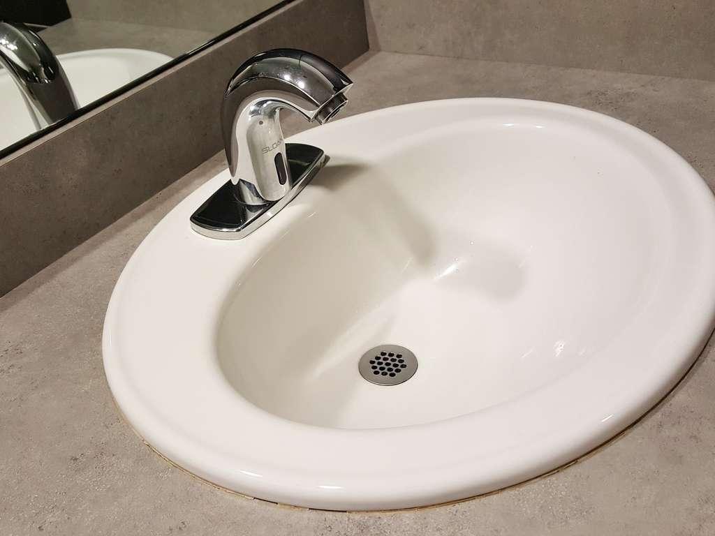 Waschbecken Reinigen Mit Dieser Anleitung Wird Es Wieder Blitzsauber Wohnen