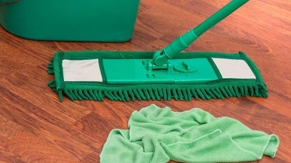 Fußboden Wischen Hausmittel ~ Diesen fehler beim bodenwischen machen sie garantiert auch wohnen