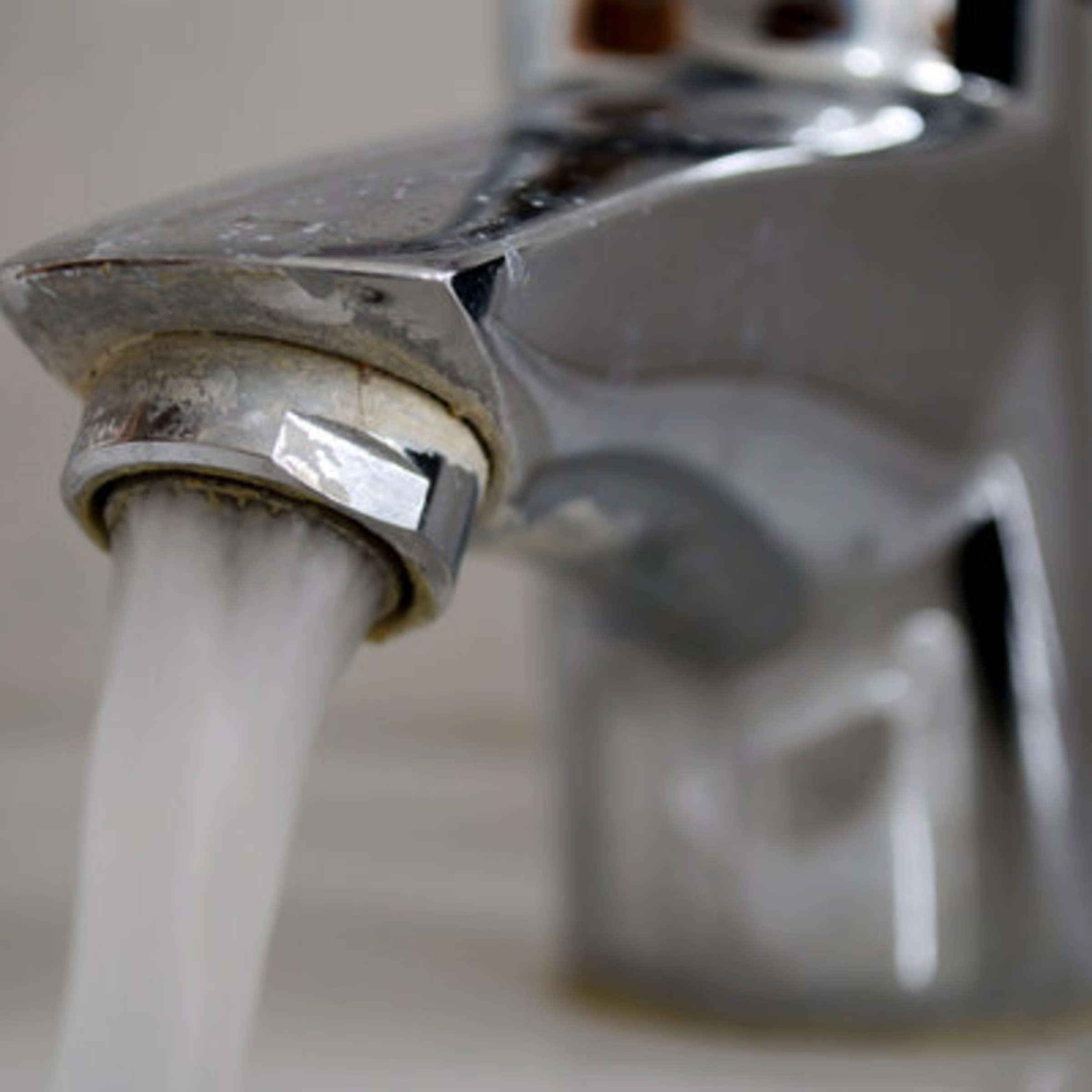 Wasserhahn entkalken Diese Hausmittel führen Sie zum Ziel   Wohnen