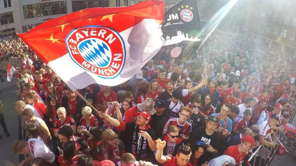 Fc Bayern Mogliche Triple Feier Mit Bustour Waz De